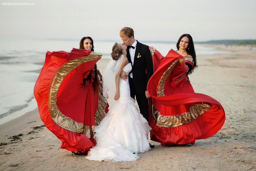 Gypsy show - DZHESKI GLOSS